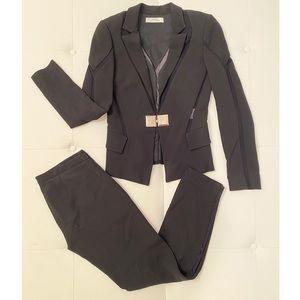 VERSACE Two-Piece Pant Suit Sz 38